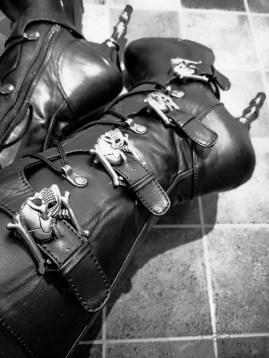 demonia muerto boots cara sutra wearing review 800-8