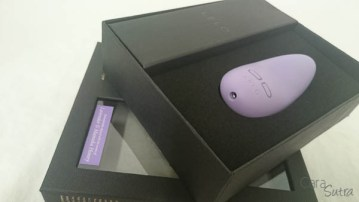 lelo lily 2 scented vibrator cara sutra review-14
