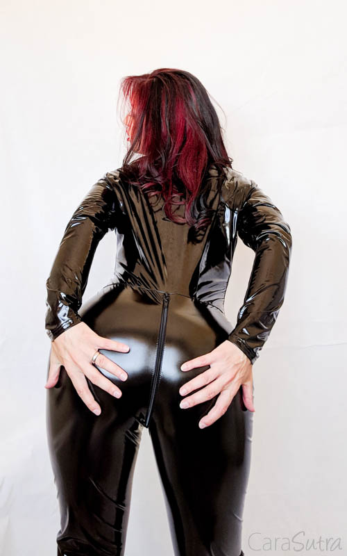 Vawn and Boon PVC Catsuit Review Cara Sutra-21