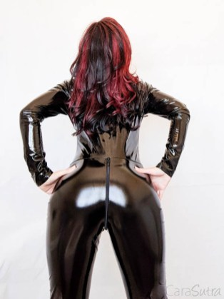 Vawn and Boon PVC Catsuit Review Cara Sutra-5