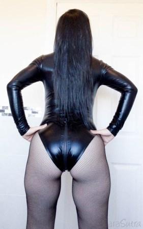 Lovehoney Fierce Wet Look Long Sleeve Zip-Around Body Review