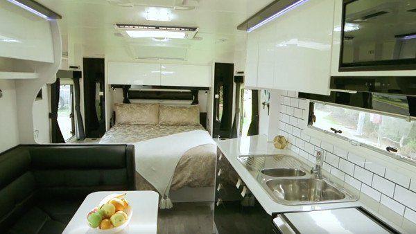Nova caravans' vita