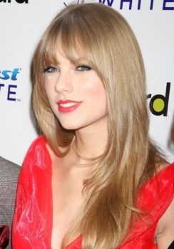 """""""I don't use any hair products, except for shampoo. This is my favorite."""" -Taylor Swift #Hair #hairstylist #hairloss #shampoo #conditioner #TaylorSwift"""