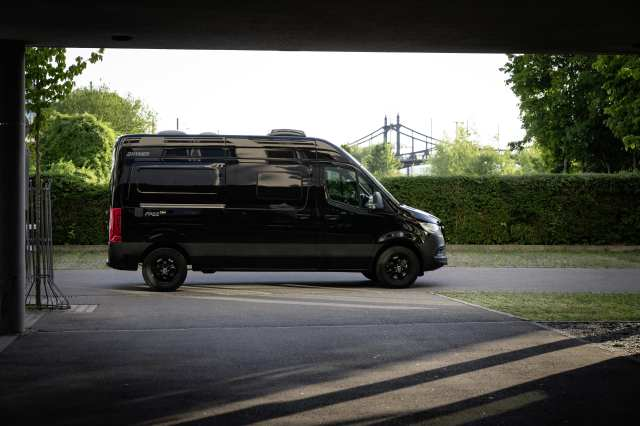 Hymer CamperVans Free S exterior view