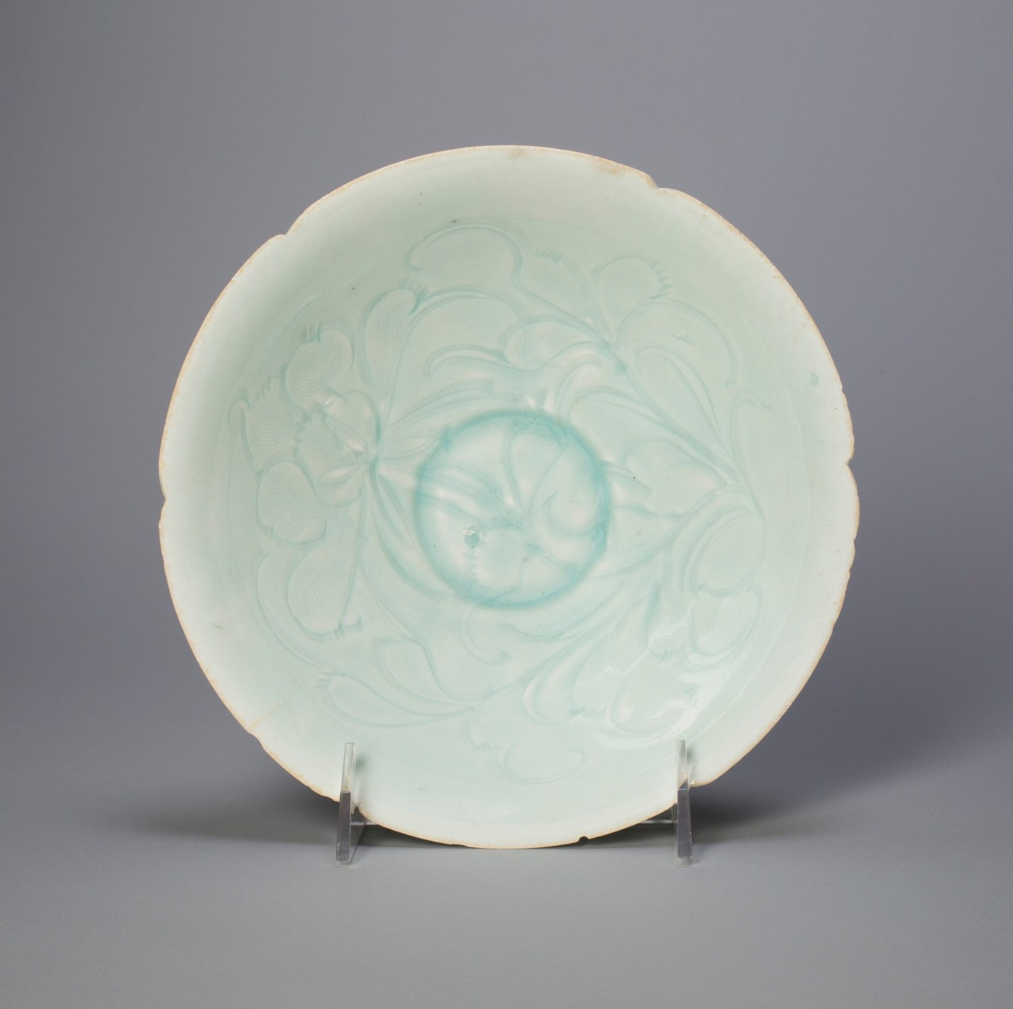 Foliate bowl with stylized peony spray, China, Northern Song dynasty, 12th century. Porcelain with underglaze carved decoration, height 7.1 cm, diameter 20.1 cm. Art Institute of Chicago, bequest of Russell Tyson, 1964.847. Photograph courtesy of The Art Institute of Chicago/Art Resource, NY
