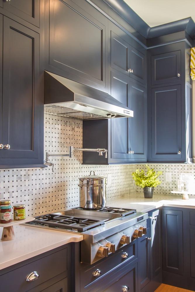 HGTV Smart Home Navy Blue Kitchen