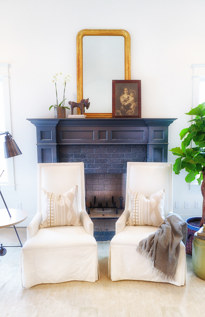 House-for-Hope, Living Room, Julie Couch Interiors, photo by Peyton Hoge
