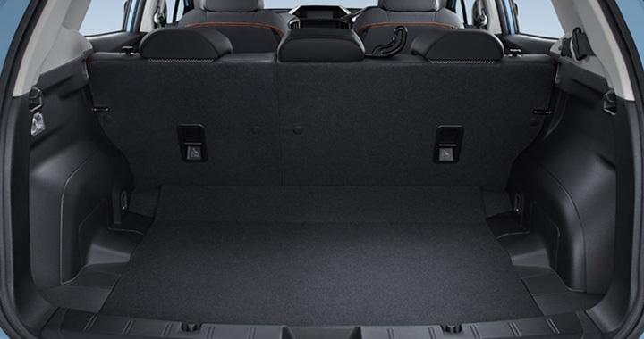 スバル XVの荷室