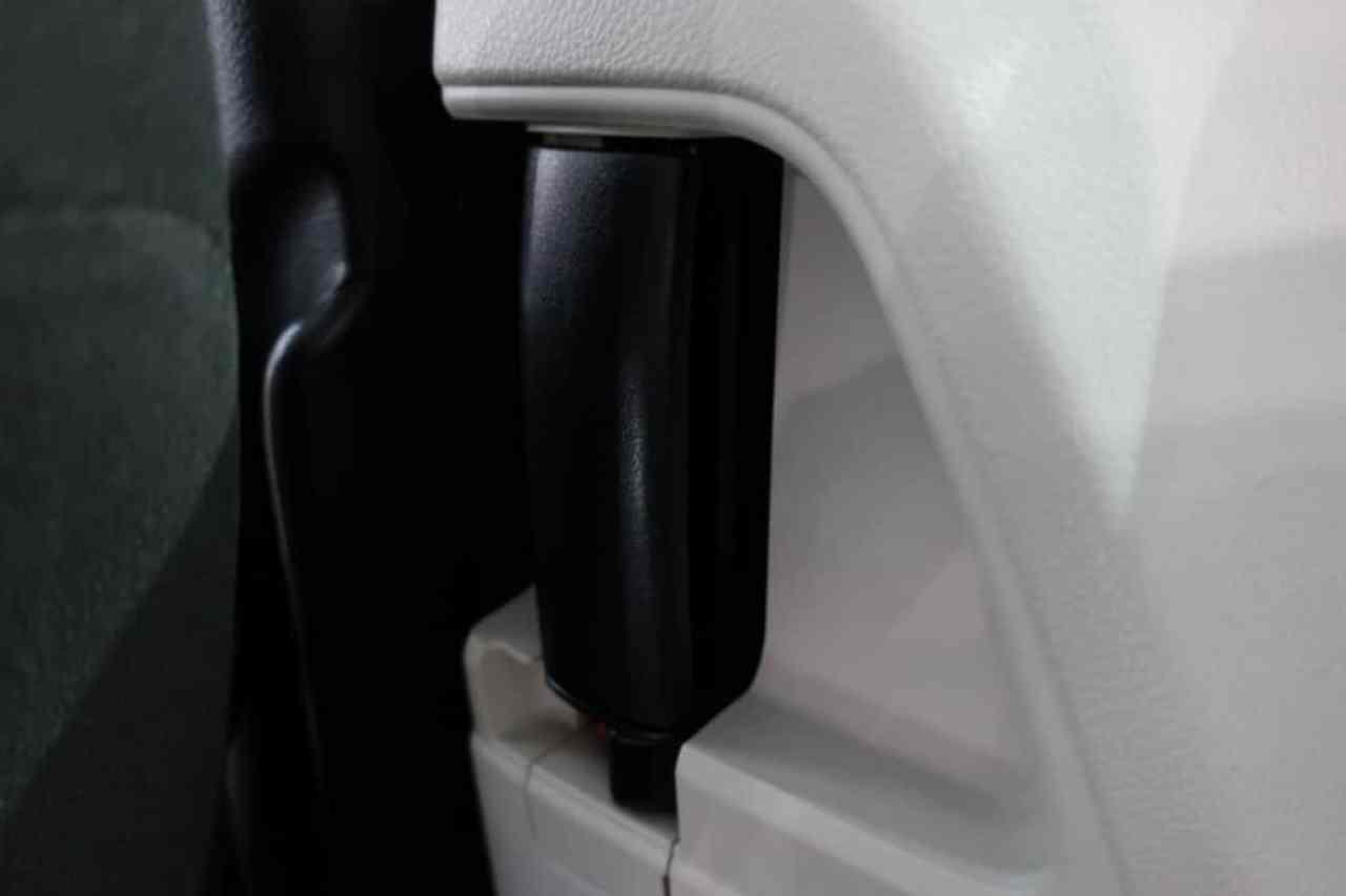 シエンタの後部座席ドアのインナーハンドル
