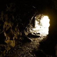 """Escuchando la """"alegoría de la caverna"""" a los alumnos"""