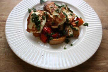 low carb roast veg halloumi and herby drizzle