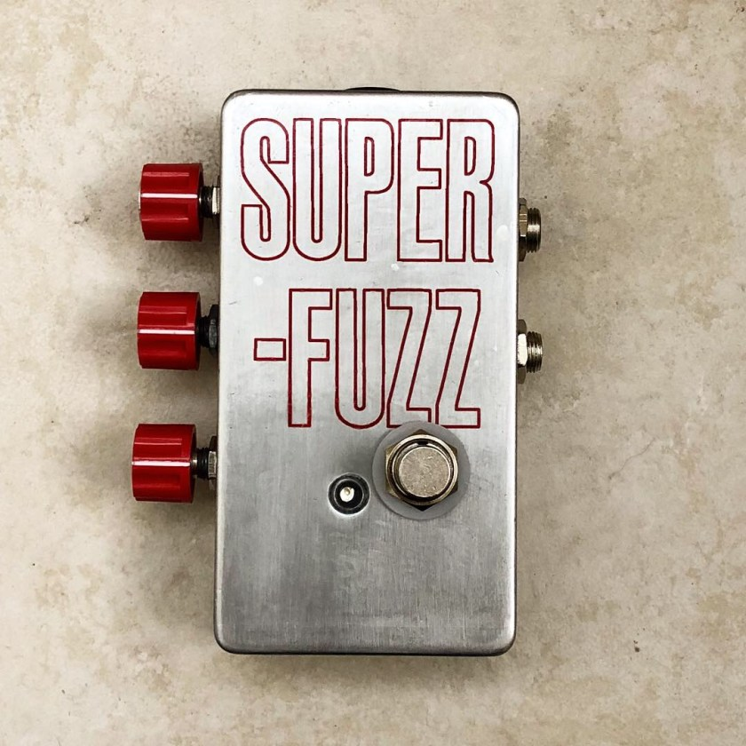 Univox Super Fuzz clone with sideknobs - top