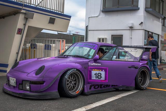 "RWB Porsche 993 nicknamed ""Rotana"" in purple, front 3/4 view"