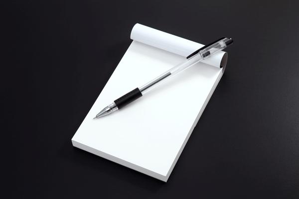 ペンは油性ボールペンがおすすめ