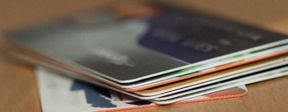 クレジットカードを複数枚持っていた場合の保険