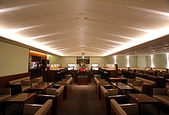 中部国際空港の空港ラウンジ「プレミアムラウンジセントレア」(旅客ターミナルビル3階)