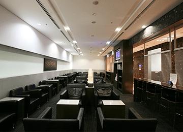 那覇空港の空港ラウンジ「ラウンジ華(hana)」(国内線旅客ターミナルビル2階)