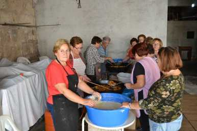 Bunyolada de la gent gran de Sant Llorenç 2013000