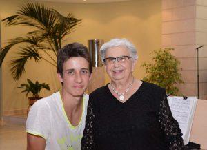 Margalida Barceló amb el seu nét Pau Vallbona
