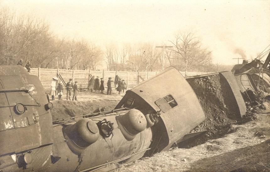 Rock Island Train Wreck – Green Mountain, Iowa – CARDBOARD