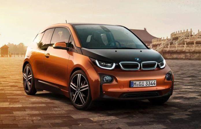 Электромобиль BMW i3 2015 года