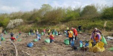 CRG volunteers hard at work at Lamby Way