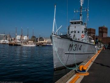 Military ship by Rådhuskaia (City Hall Docks)
