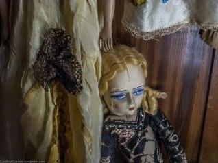 Fuck dolls.