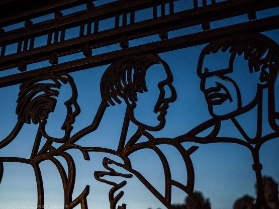 Gay discussion in Frognerparken / Vigelands Park.
