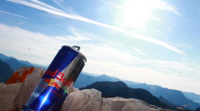 Consumo de bebidas energéticas pode elevar a pressão arterial
