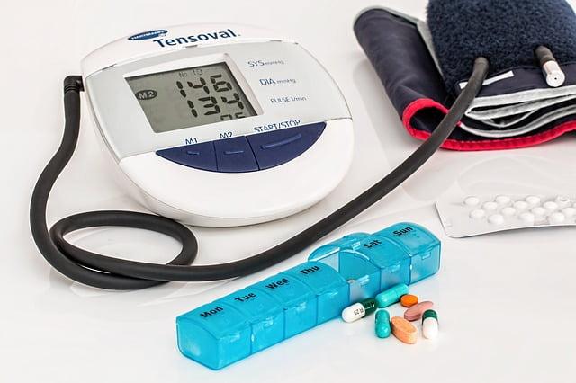 A pressão alta pode causar diversas doenças. Saiba mais aqui!