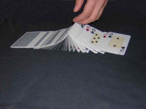how to flick card
