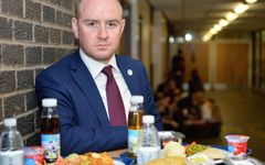 Council plans free school meals to tackle weekend and holiday hunger 19