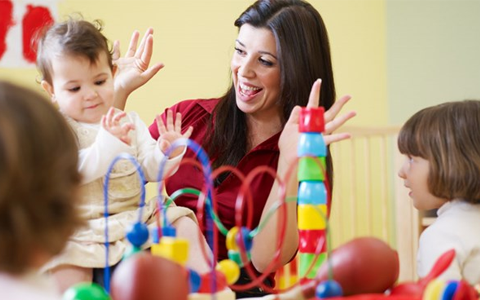 Childcare workers facing financial hardship after real terms pay cut - report 8
