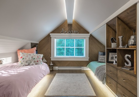 Silver - Philco Construction and Ryan Hoyt Designs - Small Guests