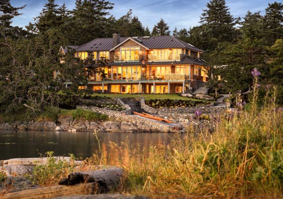 Silver - Rannala Freeborn Construction and Kimberly Williams Interiors - Spindrift Residence