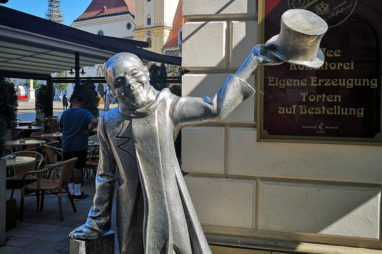 Schöne Náci was a legendary character around Bratislava who lifted spirits during war and depression