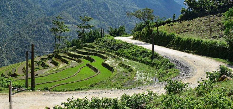Vietnam Sapa trekking winding road
