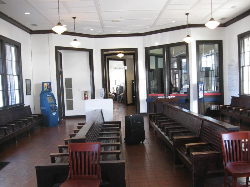 Amtrak Stations Wilson and Selma NC   Careeringcrawdad s Blog The waiting room at the Wilson  NC Amtrak station
