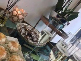 Bubbly and cupcakes at the new salon