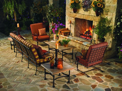 Classico outdoor furniture at Carefree Outdoor Living