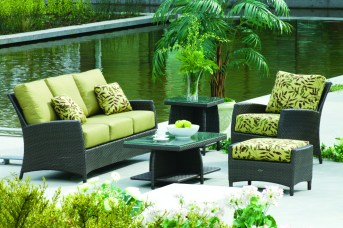 Tommy Bahama Palm Harbor outdoor furniture at Carefree Outdoor Living