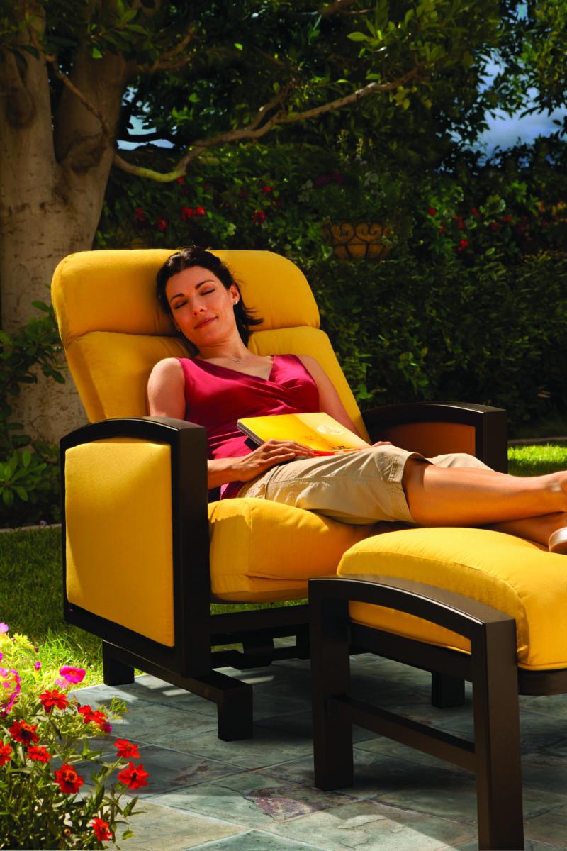 Ratana Patio Set: Outdoor Furniture & Patio Furniture Sets In Carefree, AZ