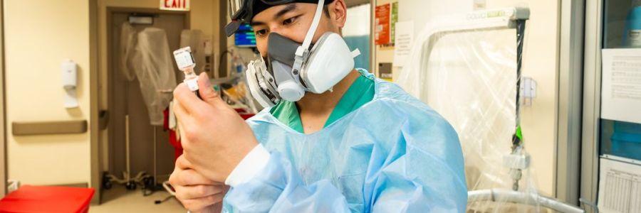ICU Nurse's Salary and Job Outlooks