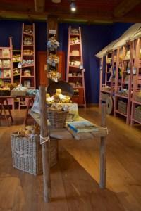 Sarkanniemen Koiramaki Gunnas kirjakauppa