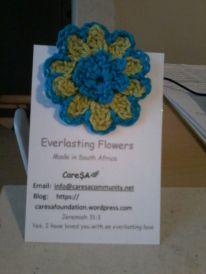 Everlasting flower hair clip