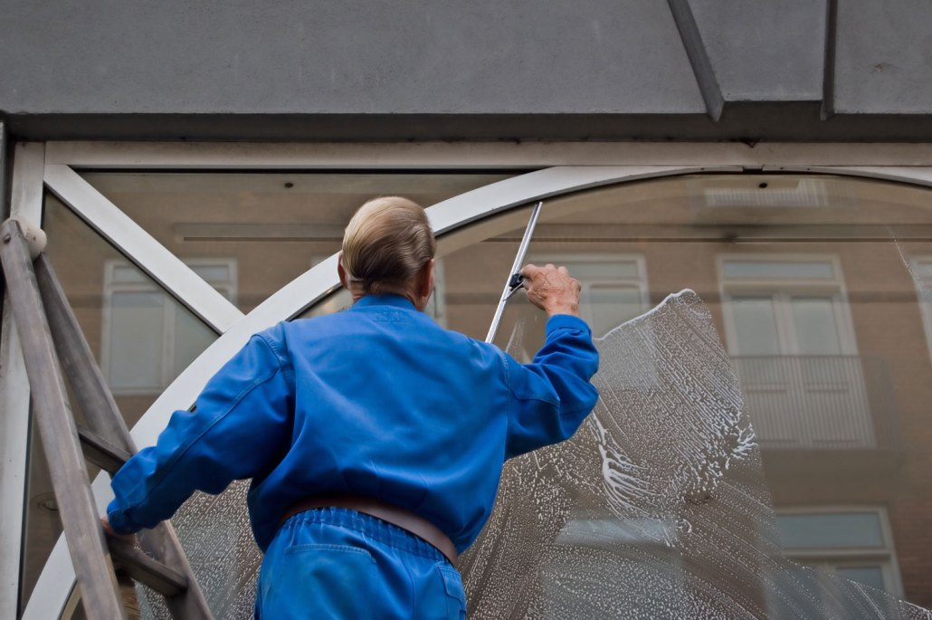 Window Cleaning Services : Property maintenance cartakers services