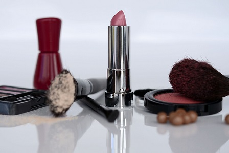 Top 10 Indian cosmetic brand in hindi