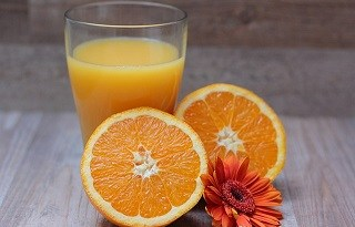 vitamin c benefits for skin and hair in hindi