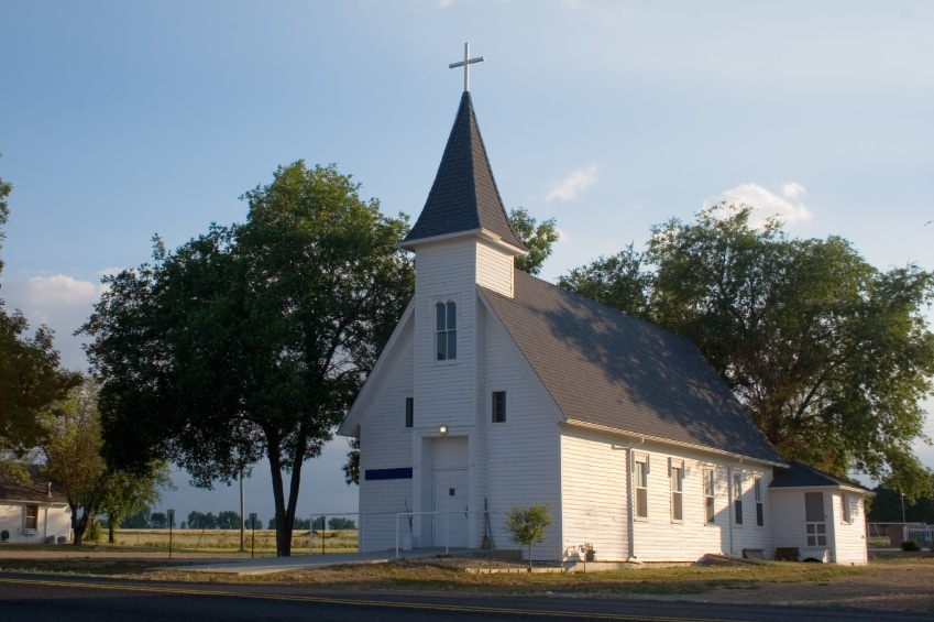8 Reasons Most Churches Never Break the 200 Attendance Mark